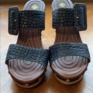 Isola Madra Guatemala Snake skin sandal